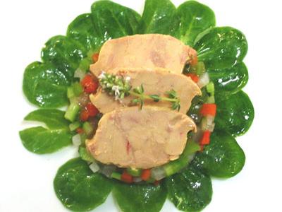 Tartar de verduritas de Navarra con terrina de foie gras