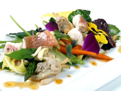 Las Verduras de un Suquet de Cabracho, Espardeñas y Almejas con Hojas y Flores y