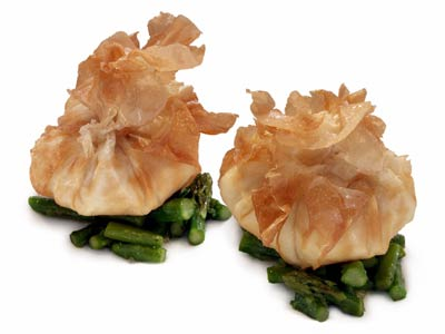 Egg in phyllo dough with asparagus (2007)