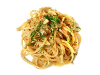 Espaguetis, cebolla tierna y tomate (1965)