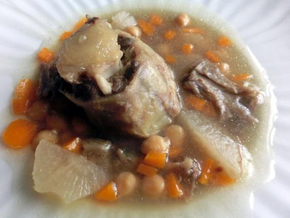 Rabo, en Trozo y Consomé, Garbanzos, Verduras y Hierbas o Curry