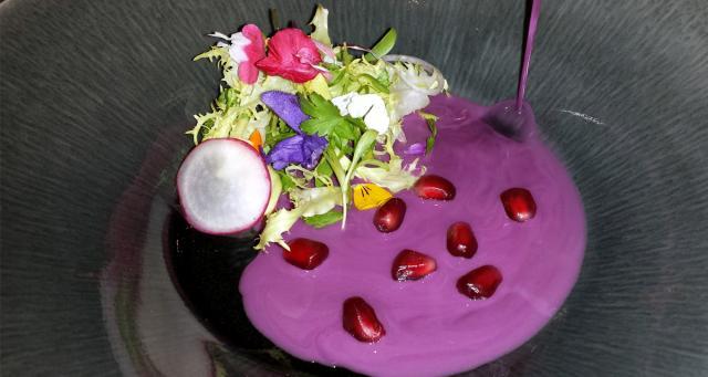 Aguachile De Pamplinas Y Escarola Con Flores De Cultivo