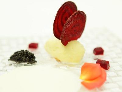Helado de Aceite de Oliva, Muselina de Lemon Grass, Caviar Ecológico, Granizado