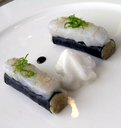 Damiano Nigro, sushi di cavolo verza con spuma di ginger e ceviche di scampo