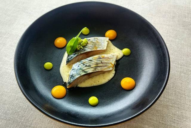 Caballa, escabeche, zanahoria y calabacín