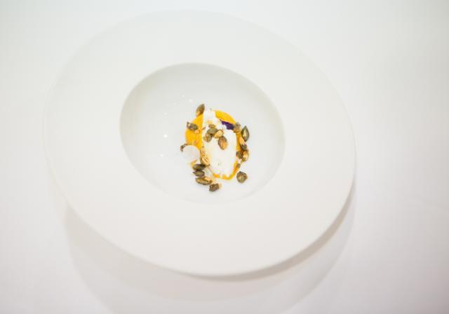 Cremoso de calabaza y helado de leche de cabra. Miguel Barrera.