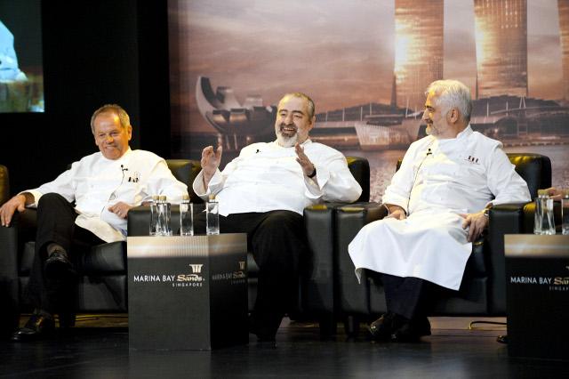 De izquierda a derecha Wolfgang Puck , Santi Santamaría y Guy Savoy