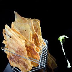 Lumagorri skins especiadas con dipeo de yoghurt de maíz