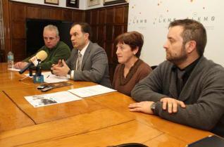 Manuel Fernández, José Crespo, Dolores Varela y Nicolás Varela, ayer, en el cons