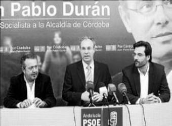 Juan Pablo Durán, con Matías Vega y Baldomero Gas