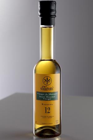 Vinagre de Moscatel  Reserva 12 años Sotaroni