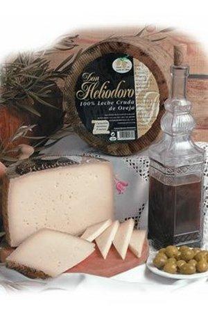 Queso de Oveja Añejo en Manteca Don Heliodoro