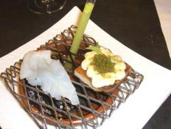 Bacalao ahumado al sarmiento con ensalada líquida vegetal