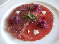 Tartar y Carpaccio de Fassone Piemontese, Caviar y Salsa de Hierba Limón