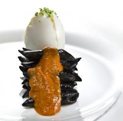 Uovo e Penne Nero di Seppia