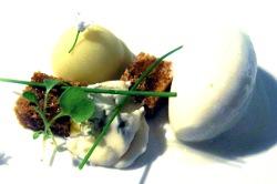 Gorgonzola, manzana y pan de especias