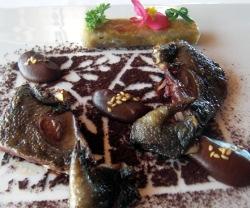 Tortola asada con un toque de mole y cacao
