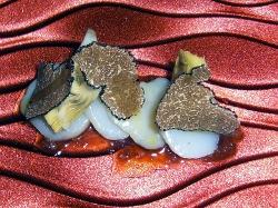 Vieira con  alcachofa, trufa y crema de cecina