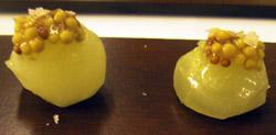 Pepino escabechado con aceite de oliva con mostaza a la antigua