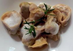 Tortelli Ripieni di Funghi Porcini con Schiuma al Latte e Timo di Montagna