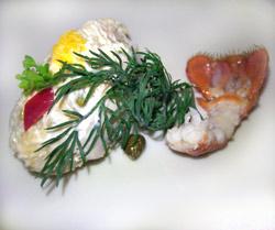 Ensaladilla rusa con cangrejo