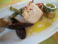 Denton con Salsa de Acerola y Pimienta Rosa más Verduras