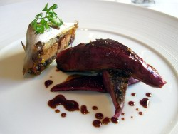 Paloma torcaz con pastel de foie gras