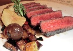 RIbery Roll asado en parrilla con verduritas salteadas y su salsa especial