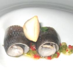 Sardinas en vinagre, picadillo cordobés y pan cateto